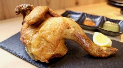 外はカリッと中はジューシー!「国産鶏半身の素揚げ」が名物の和バルです