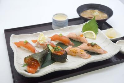 市場直送の鮮魚を使った調理がメイン
