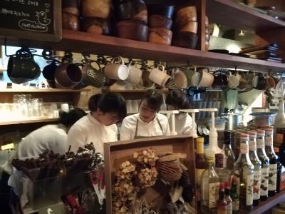 岡山市内にある2店舗で調理スタッフ(料理長候補)を募集します。経験を活かして腕をふるってください!