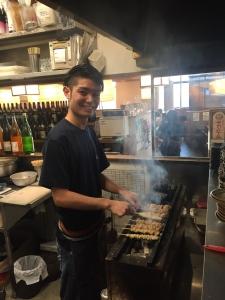 お客様から料理を褒められる機会も豊富な、炙り焼きが自慢の串焼きとお酒が楽しめる焼鳥店です。