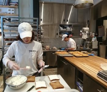 パン好き集まれ!パンのいい香りに包まれながら、アルバイトしませんか。※写真は本店のものになります