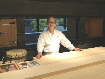 店主・米島は、割烹・日本料理、茶懐石料理でもてなしの精神を学んだ和食のプロ。海外での勤務経験もあり。