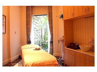 軽井沢にて、高貴で優雅なひとときを過ごせるリゾートホテル。