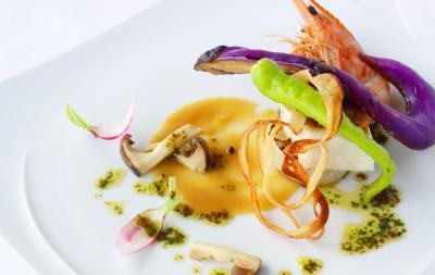 厳選魚介や和牛を使ったフレンチ、鉄板焼のランチやディナーをご提供しております。