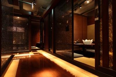 落ち着いた雰囲気の川崎店。女子会や接待にもご利用いただいております。