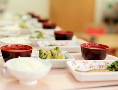 「自前の厨房・自社スタッフ」で作り上げる、特別養護老人ホームなどの調理師募集。