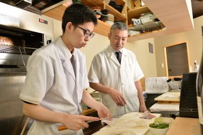 握りの技術から本格和食の調理技術まで学べる環境です。