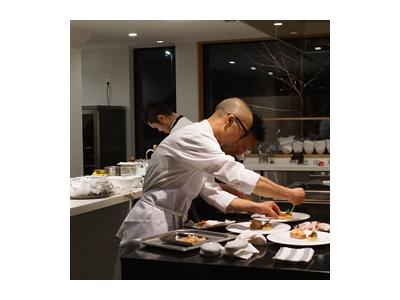 国内外で腕をみがいてきたシェフのもと、料理人として大きく成長しませんか。