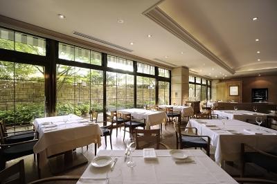 相模湾を一望できるロケーション抜群のホテル!館内にある「ペルゴーラ」で調理スタッフを募集します。