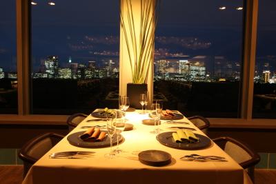 五感を刺激する独創のフランス料理レストラン「ARGO」で、サービススタッフを募集します。