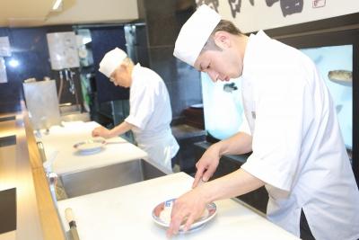 手に職をつけ、料理人として一生モノのスキルが身につく環境です◎