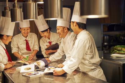 料理人とプランナーが協力し合い、チームワーク良く仕事ができる、風通しのいい社風です