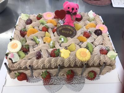 Wワークも歓迎★地域に愛されるパティスリーでケーキ作りを楽しもう♪