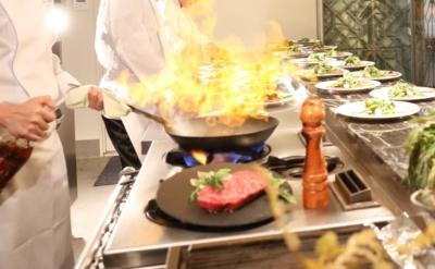 青山・豊洲のゲストハウスにてキッチンスタッフ募集。ラグジュアリーな空間で、ウエディング料理の調理を!