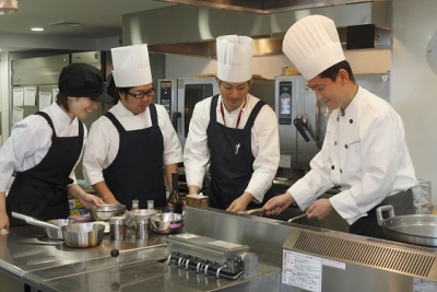 本社からのサポートスタッフとして、各施設を巡回していただける調理師さんを募集します!
