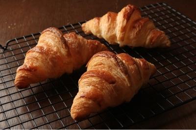 フランスの代表的なパンをはじめ、バリエーションに富んだパンをご提供しています。