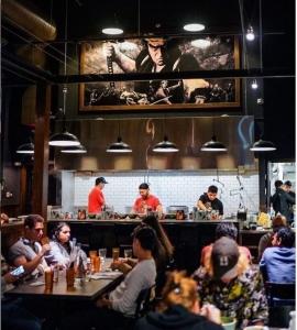 日本の文化や歴史も体感しながら「食」を楽しめる空間を演出◎