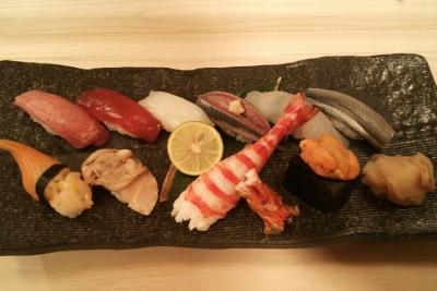 豊洲から直接仕入れるネタは新鮮そのもの。食通がかよう寿司屋です。