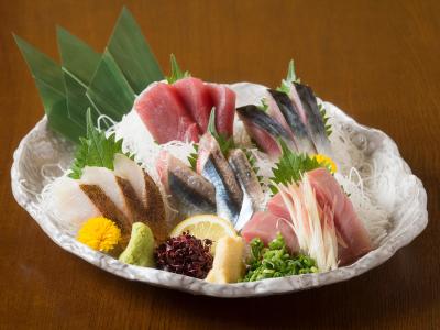 食材にこだわりあり。お造りから焼き魚など、魚の扱い方も身につきます