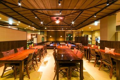 温泉施設内の『アジアンカフェ』で、店舗スタッフとして活躍しよう!