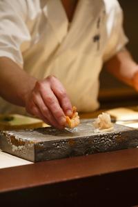 多様化のこの時代、和食もすしもどちらもできる職人になりませんか?