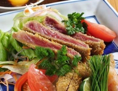 漁師料理風から伝統的な日本料理、工夫を重ねた創作料理まで、幅広い料理の調理スキルも身につきます◎