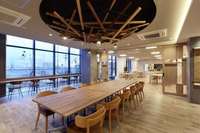 「エクレ小束台」併設のカフェスペース、近日オープン予定です!!
