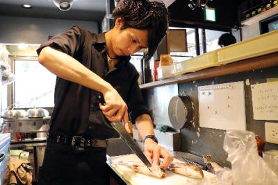 調理から店舗マネジメントまで、幅広く学ぶことができます!研修制度も充実!
