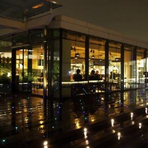 羽田空港・成田空港などの空港ビルやターミナル駅のエキナカなどで、14ブランドの飲食店を展開する企業。