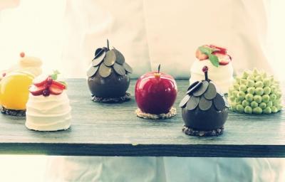 大阪にあるケーキ製造工場もしくは販売店にて勤務いただきます!