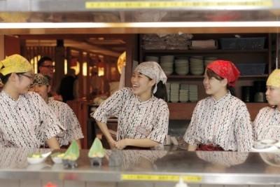 今回は奈良の店舗にてホールスタッフを募集します!