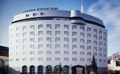 現在多くのメディアからも取り上げられ、海外からの観光客も増えてきている「函館国際ホテル」