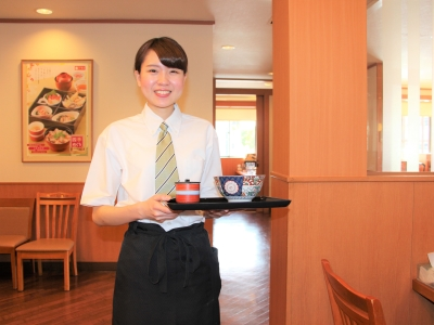 愛知県・三重県内のいずれかの店舗で、店舗スタッフ(店長候補)としてご活躍ください。