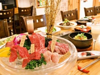 """<未経験歓迎>気軽に""""極上""""のお肉が味わえる、韓国焼肉のお店でホールのお仕事◆ランチのみ/ディナーのみも◎◆まかないあり◆髪型自由/髭・ネイル・ピアス◎日曜定休"""
