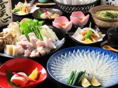 関門海峡で水揚げされた新鮮なふぐ料理が自慢の和食店です