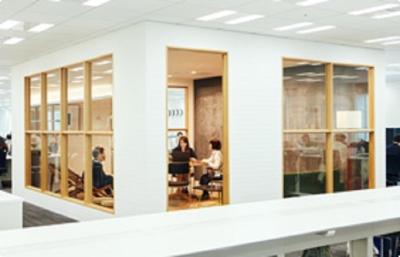 """""""未来を創造するため""""だけに設けられたスペースもあり、独自の視点で働く環境作りを行っています。"""