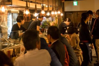 「博多のうまいもんを東京で味わえる」と連日、大盛況。拡大に向けて発展中の当社のコアメンバーへ。