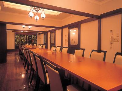広々とした個室で団体のお客さまにも対応しています