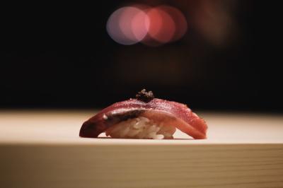 「お店の顔」としてカウンターに立ち、お客様の笑顔を引き出す寿司を握りませんか。