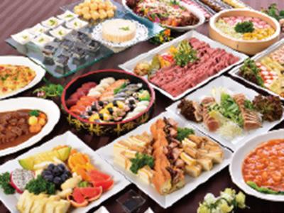 会食やパーティーなど様々な催物で提供する食事をつくります。