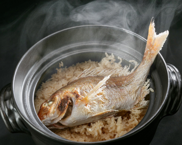 その他にも土鍋炊き込みご飯など、旬の食材をつかった料理が盛りだくさんです。