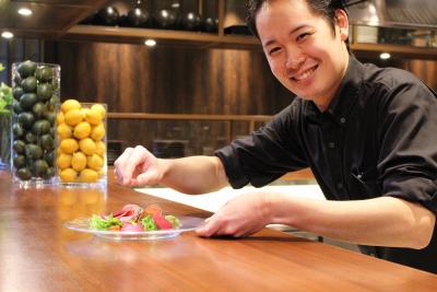 福岡・天神で注目の飲食複合施設で料理長候補を募集します!総フロア面積は450坪と、圧倒的スケール!