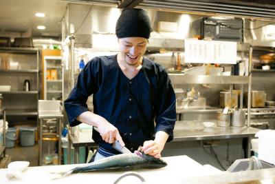 魚業態を中心とした3ブランドで、未来の料理長を募集します。