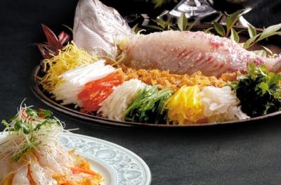 広東料理を中心に、飲茶、点心、薬膳料理を提供。一流の職人が腕をふるいます。