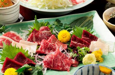 大阪市北区にある海鮮居酒屋・馬肉料理・おでん料理・ふぐ料理のお店。素材や技術に定評のある繁盛店です!
