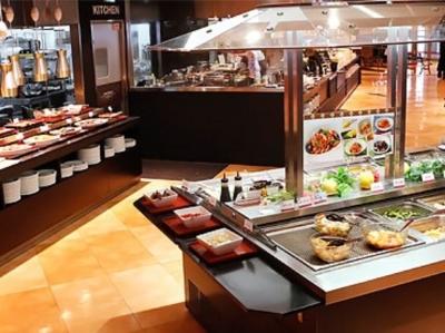 世界各国の料理を100種類以上楽しめるレストランで運営を学びませんか?