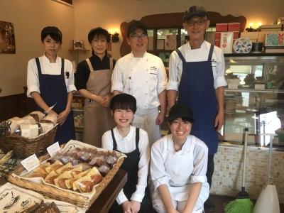 洋菓子作りのきちんとした技術から、経営ノウハウまで身につく職場です!
