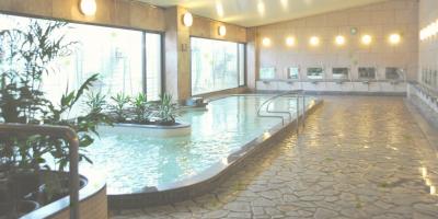ホテル内の温泉施設も使用できる贅沢な環境なので、毎日リフレッシュしながら仕事に打ち込めます。