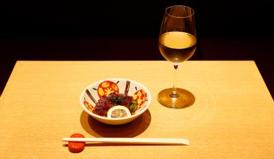 うなぎに合うワインやシャンパンをチョイスする楽しみもあります。