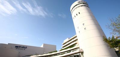 福岡サンパレスでサービススタッフとして、さまざまなお客様をおもてなししてください